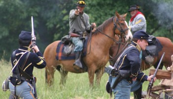 Lincoln Days Civil War Reenactment at Pittsfield Lake